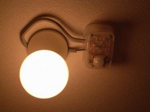 s-20110403トイレ自動照明015